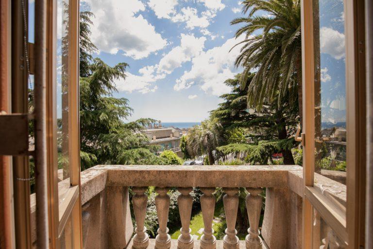 Villa Carrozza In Vendita